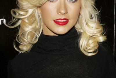 blond barva vlnité vlasy