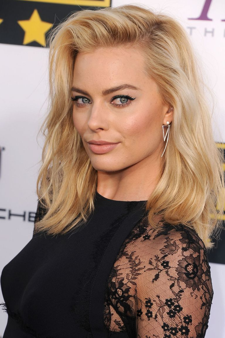 blond účesy dámské vlasy 2019 trendy