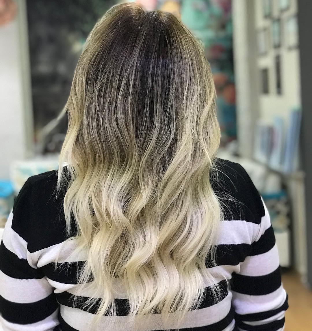 odrůstající ombré blond melír