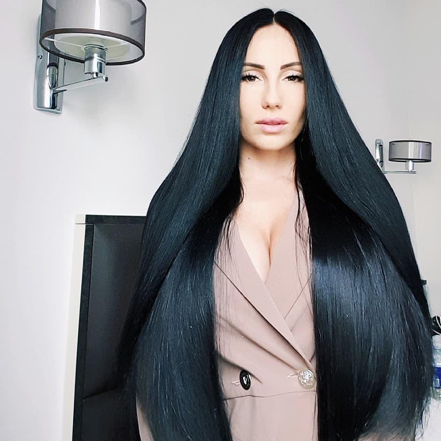 černé vlasy šediny