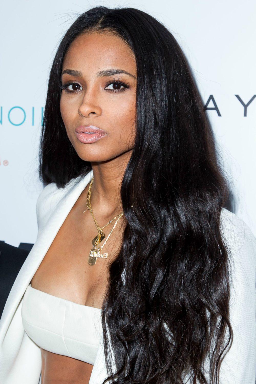 dlouhé černé úšesy vlasy dámské